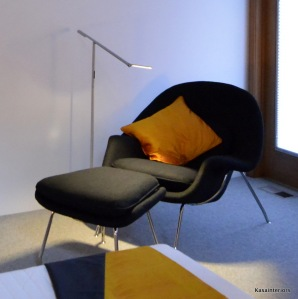 Womb Chair - Eero Saarinen